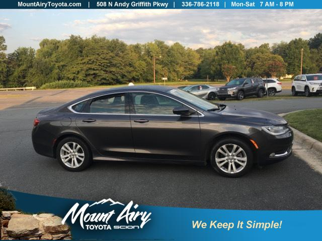 Pre-Owned 2016 Chrysler 200 4dr Sdn Limited FWD
