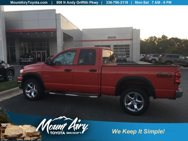 Pre-Owned 2008 Dodge Ram 1500 4WD Quad Cab 140.5 SLT