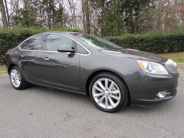 Pre-Owned 2017 Buick Verano 4dr Sdn Leather Group