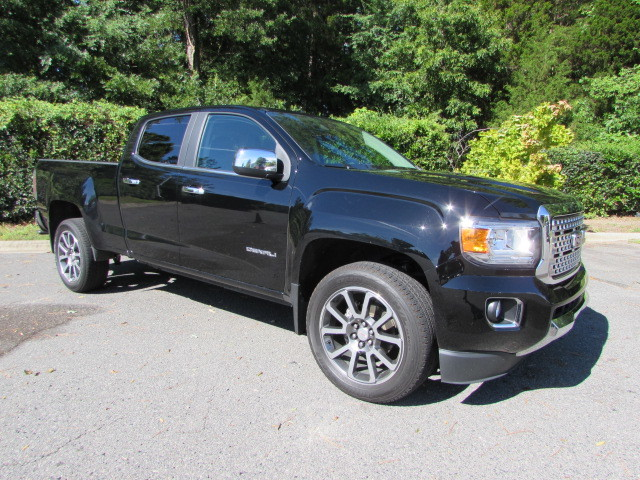 Pre-Owned 2017 GMC Canyon 4WD Crew Cab 140.5 Denali