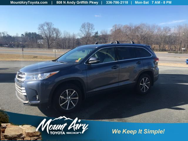 Pre Owned 2018 Toyota Highlander Xle V6 Awd