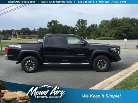Pre-Owned 2016 Toyota Tacoma 4WD Double Cab V6 AT SR5